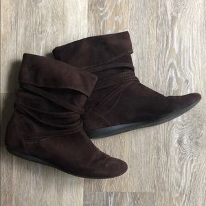 Report sued slouch ankle booties